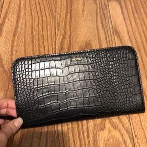 NWOT! Aldo black wristlet wallet